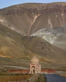 Yadgahe Chaldiran, Iran, Azerbaycan