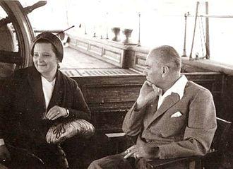 مصطفی کمال آتاترک و آفت اینان، 1937