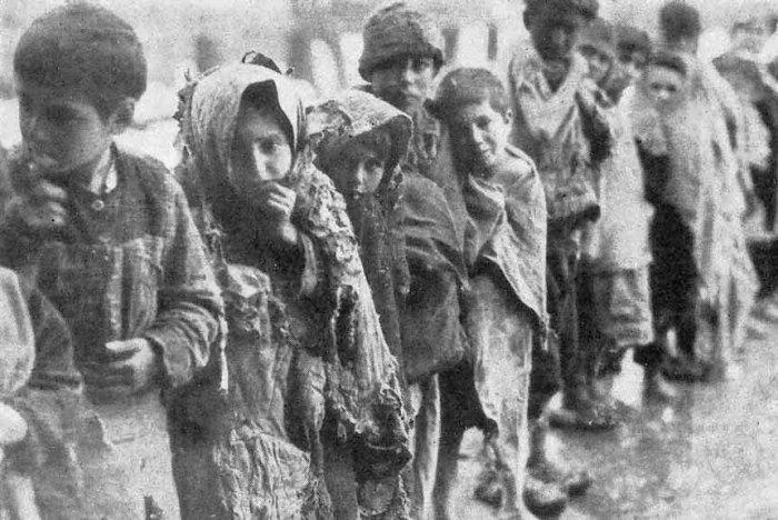 کودکان ارمنی، قربانی نسل کشی (عکس از موزه نسل کشی ارامنه در ایروان
